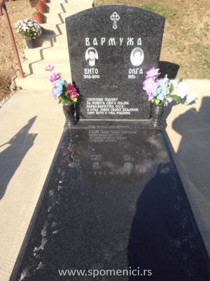 Nadgrobni spomenik #57